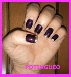 nail art morado y dorado.jpg